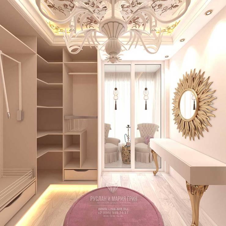 غرفة الملابس تنفيذ Студия дизайна интерьера Руслана и Марии Грин