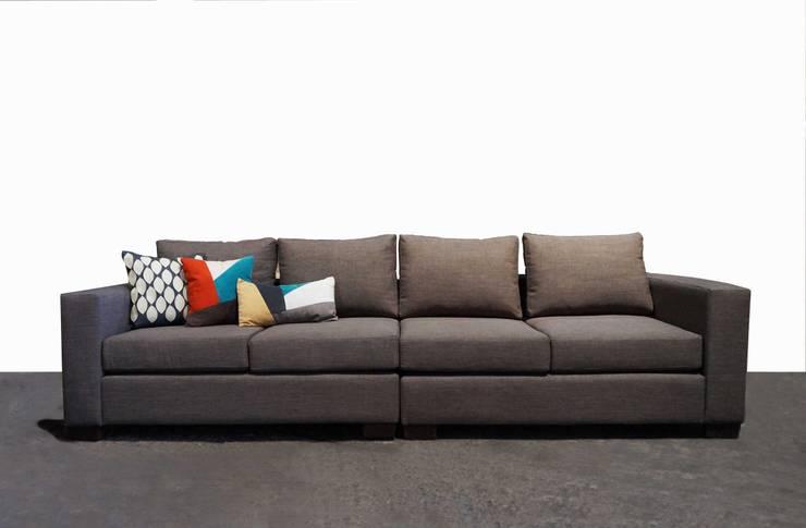sofa sofia de 4 cuerpos en dos partes:  de estilo  por rosario sofas,Moderno Madera maciza Multicolor
