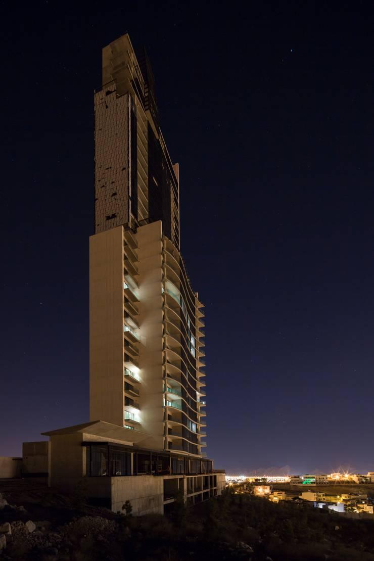 Lumina / Vidal Arquitectos: Edificios de Oficinas de estilo  por Idea Cubica