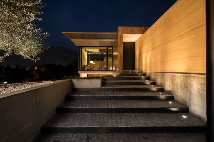 Casa Ticoman: Casas de estilo minimalista por Idea Cubica