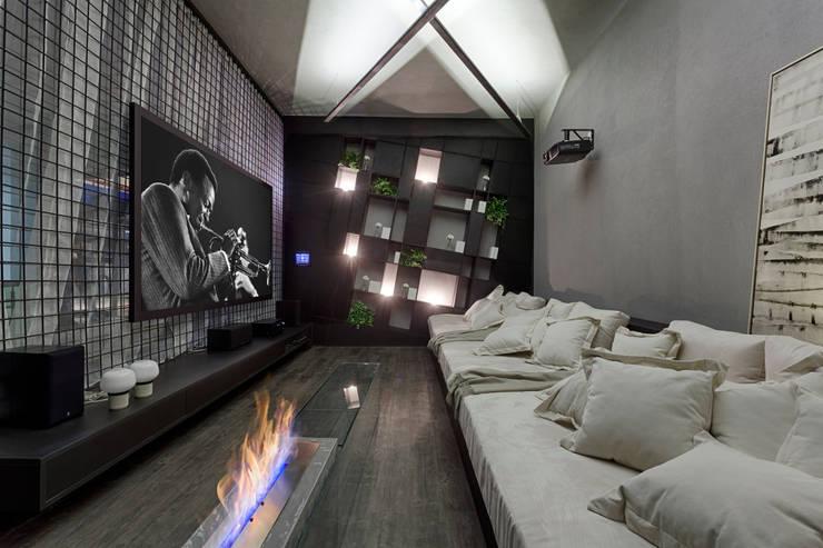 MORAR MAIS 2015: Salas de estar  por Piacesi Arquitetos,