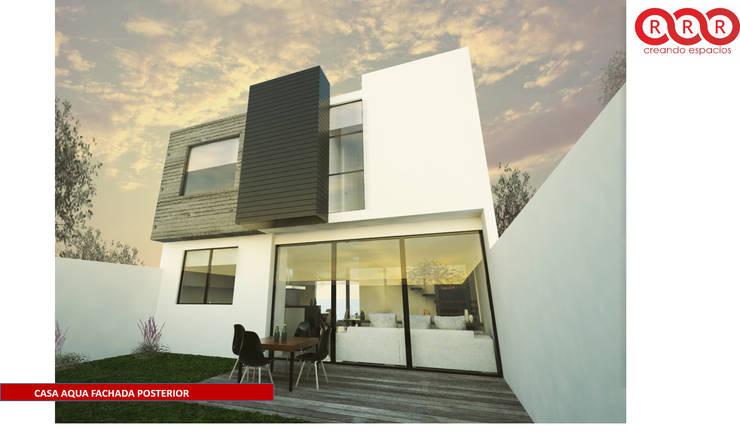 Fachada Posterior: Casas de estilo  por Tres-r