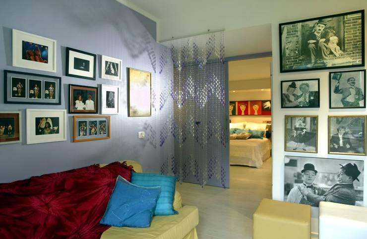 Apartamento – Gávea – Rio: Escritórios  por Carlos Salles Arquitetura e Interiores,
