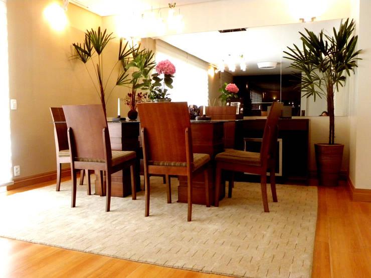 Projeto de Arquitetura e Reforma – Apartamento Guarulhos – Alta Vista: Salas de jantar  por SIA Arquitetura e Urbanismo,