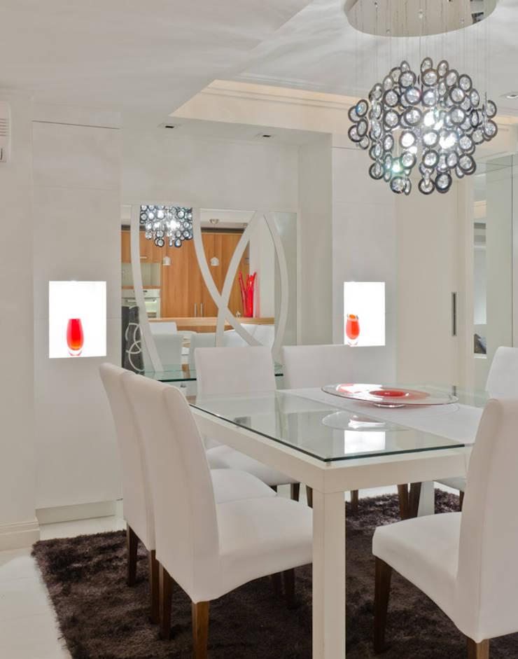 Eetkamer door HB Arquitetos Associados, Modern Glas
