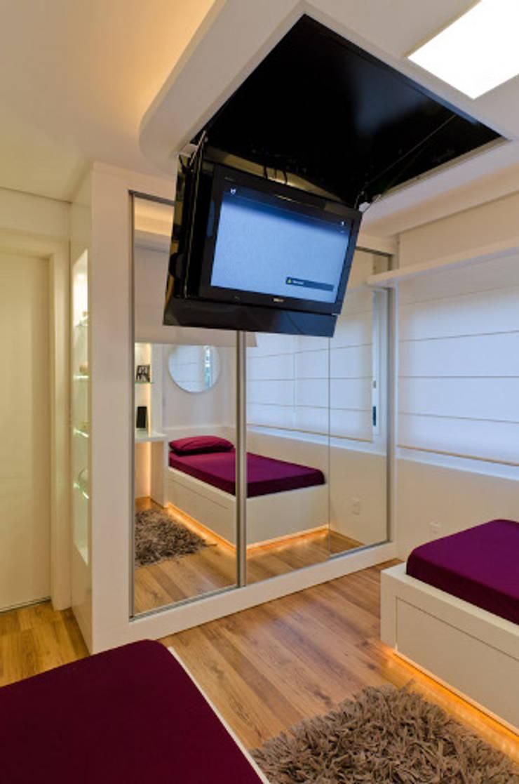 Slaapkamer door HB Arquitetos Associados, Modern MDF