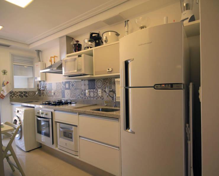 Cozinha: Cozinhas  por Studio Santoro Arquitetura,