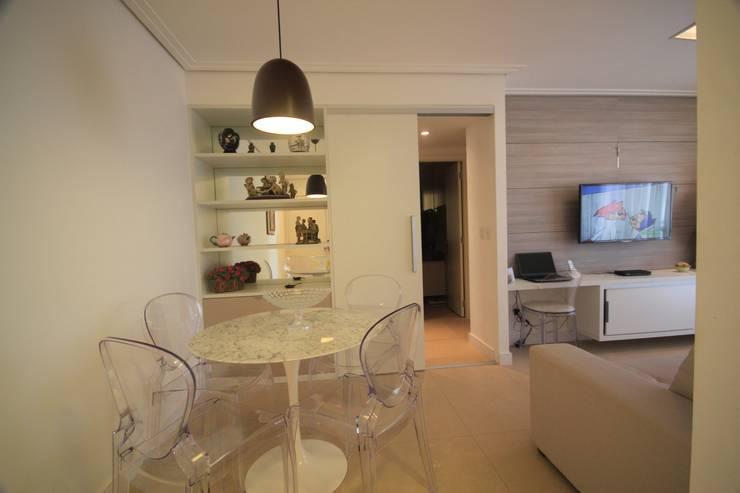 Sala de Jantar: Salas de jantar  por Studio Santoro Arquitetura,