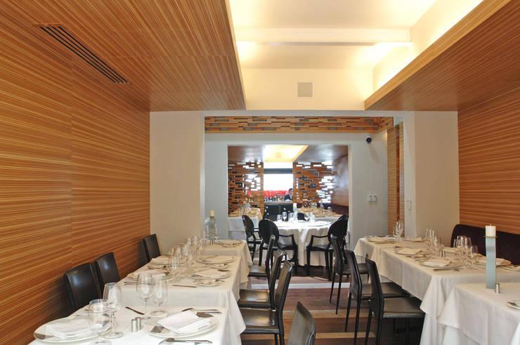 Restaurante Jaso : Comedores de estilo  por Serrano Monjaraz Arquitectos