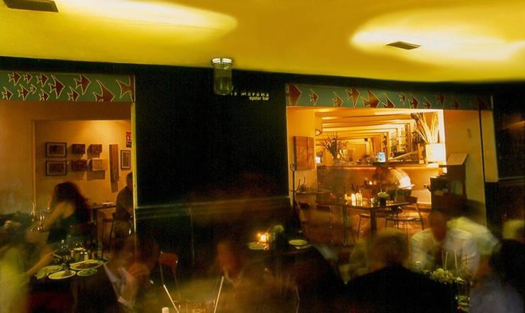 Restaurante La Morena: Casas de estilo  por Serrano Monjaraz Arquitectos