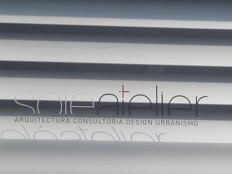 Casa <q>Villa Solé</q>_Moledo, Caminha: Escritórios e Espaços de trabalho  por SOLE ATELIER, LDA
