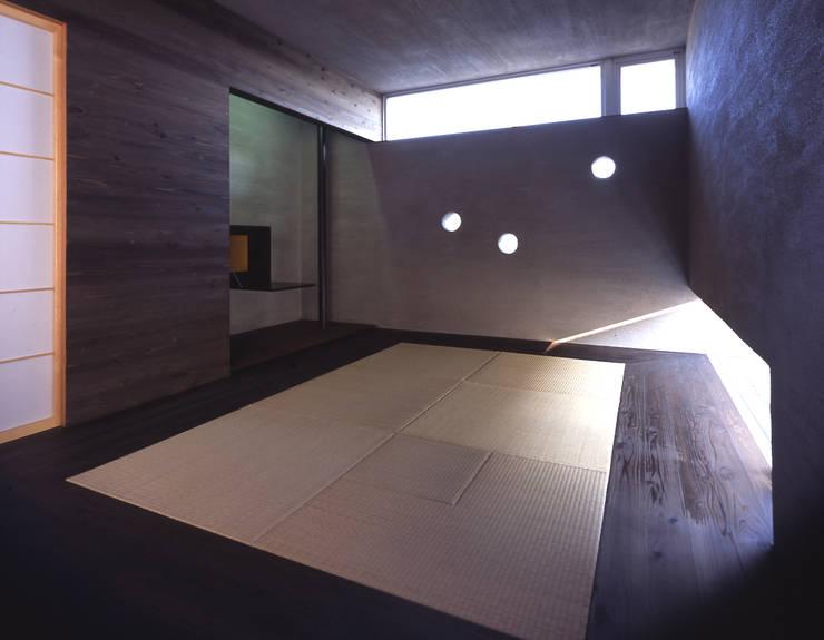 I-HOUSE: 株式会社長野聖二建築設計處が手掛けた和室です。