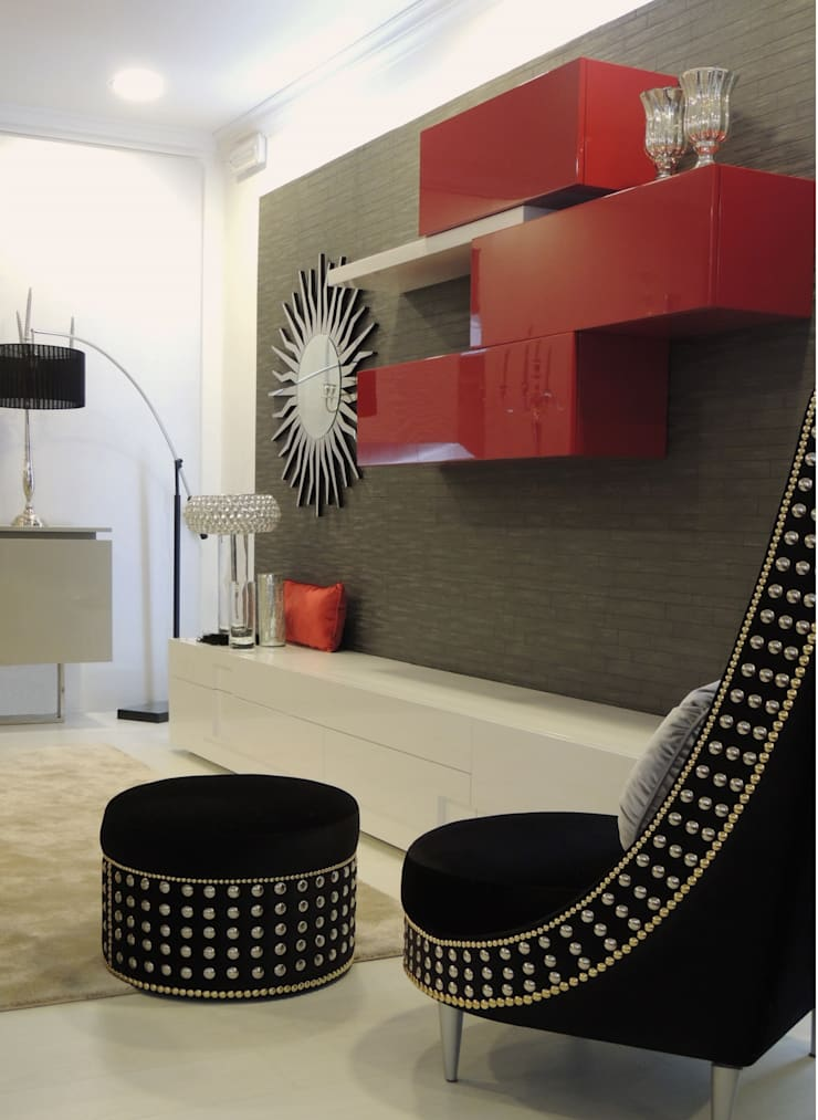 Showroom: Sala de estar  por Espazio - Home & Office