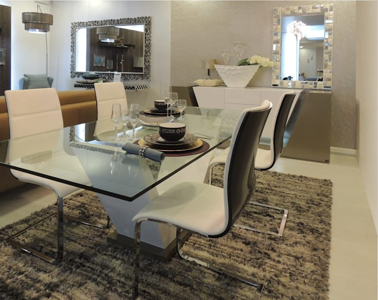 Showroom: Sala de jantar  por Espazio - Home & Office