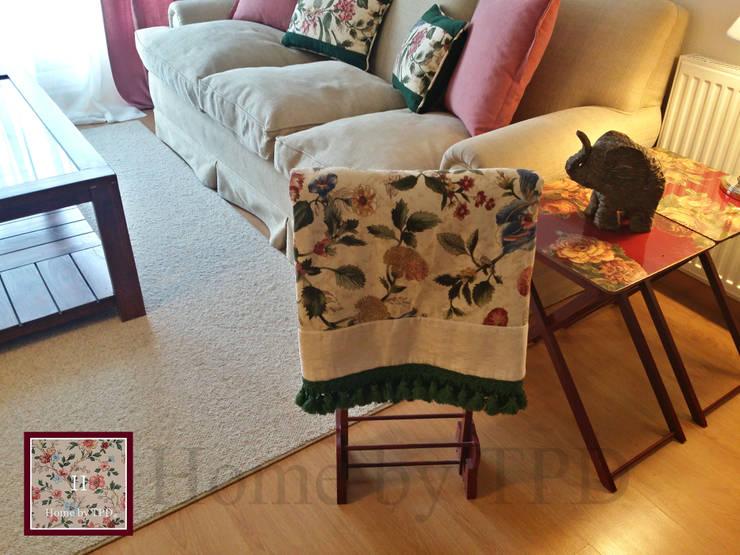 Salas de estilo  por Home by TPD 'El Arte de Recibir en Casa'