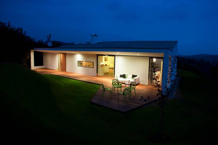 Villa 3S:  Häuser von LOVE architecture and urbanism