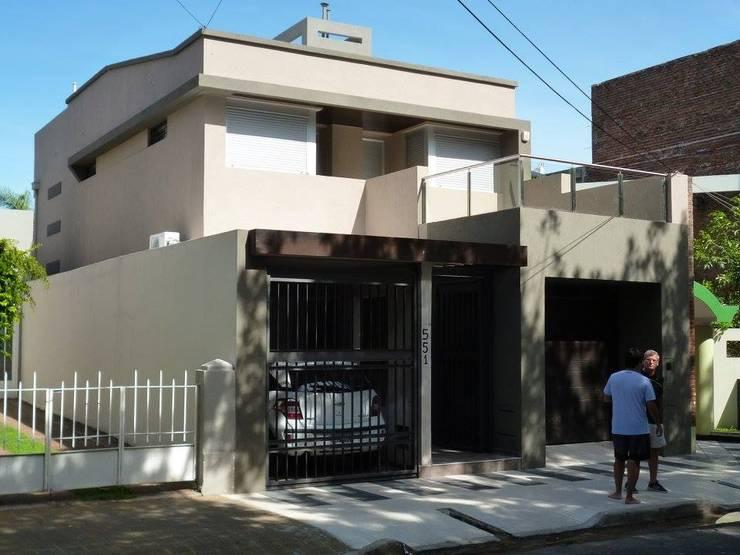 Casa OA: Casas de estilo  por LG ARQUITECTURA