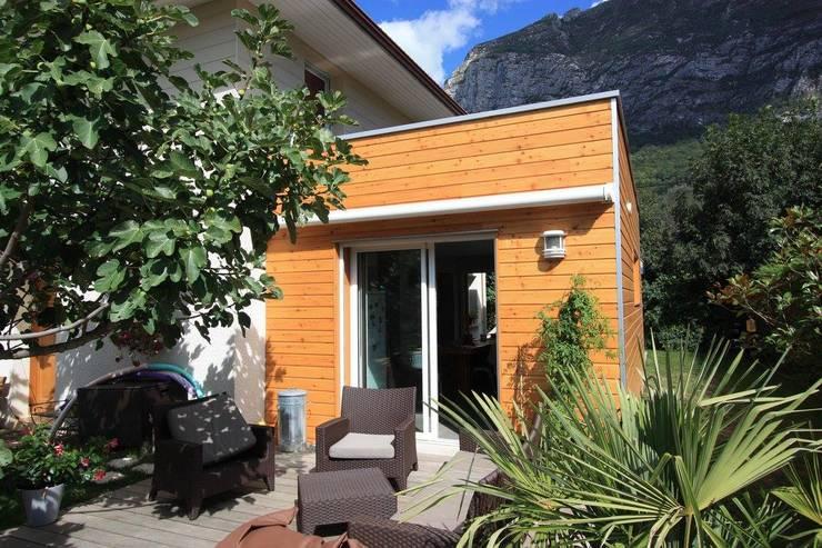 Rénovation: Maisons de style  par Amnios