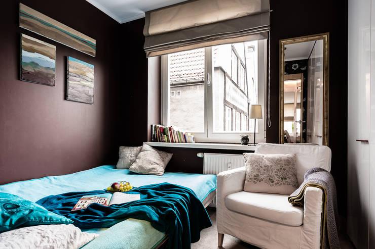 Mieszkanie w centrum miasta: styl , w kategorii Sypialnia zaprojektowany przez Gzowska&Ossowska Pracownie Architektury Wnętrz