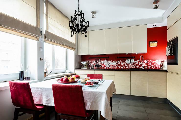 Mieszkanie w centrum miasta: styl , w kategorii Kuchnia zaprojektowany przez Gzowska&Ossowska Pracownie Architektury Wnętrz
