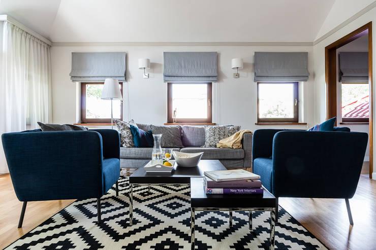 apartament z motywem Nowego Jorku: styl , w kategorii Salon zaprojektowany przez Gzowska&Ossowska Pracownie Architektury Wnętrz,
