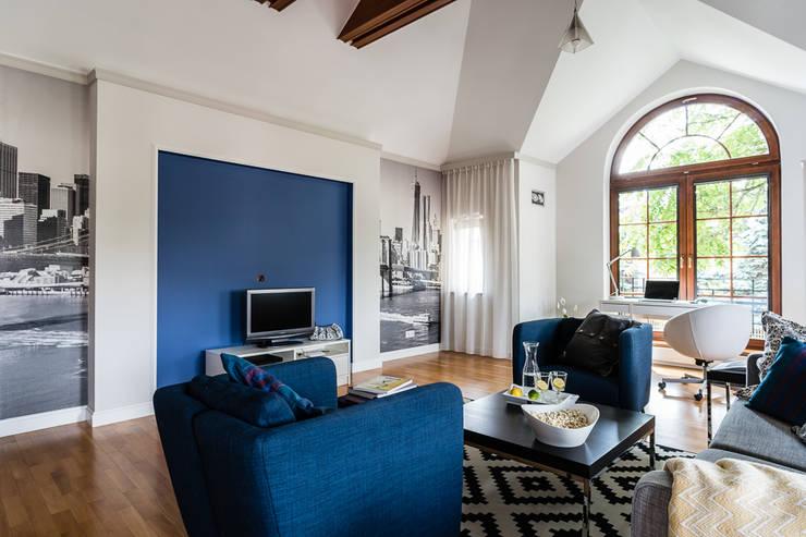 apartament z motywem Nowego Jorku: styl , w kategorii Salon zaprojektowany przez Gzowska&Ossowska Pracownie Architektury Wnętrz