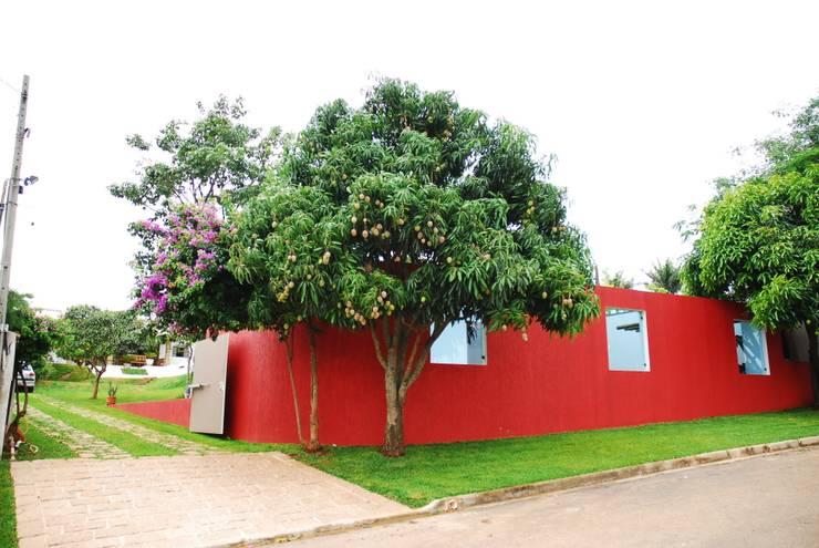 Casas de estilo  de Mônica Mellone Arquitetura, Ecléctico