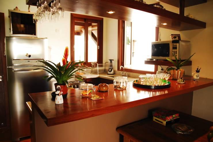 Cocinas de estilo  por Mônica Mellone Arquitetura