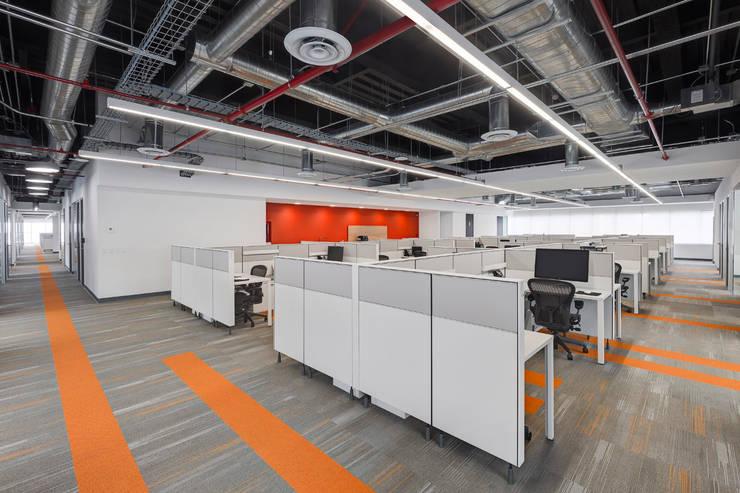 Corporativo en Reforma Diana: Estudios y oficinas de estilo  por usoarquitectura