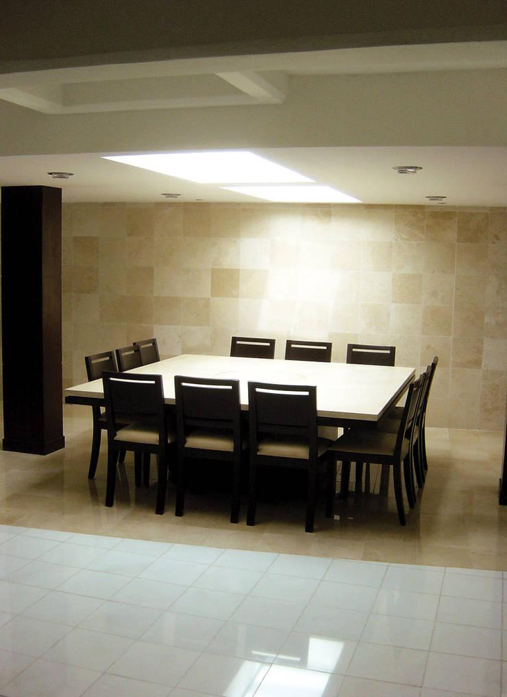 B Cancún: Comedores de estilo  por usoarquitectura