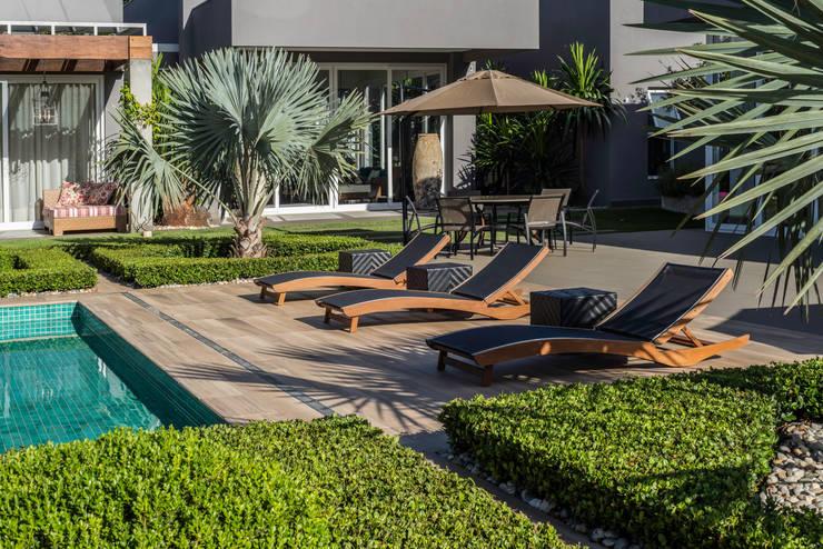 Pool von WMP Arquitetura e Ambientação, Modern Holz Holznachbildung