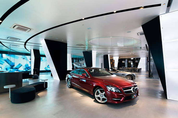 Mercedes-Benz Connection TOKYO: WORKTECHT CORPORATIONが手掛けた自動車ディーラーです。,