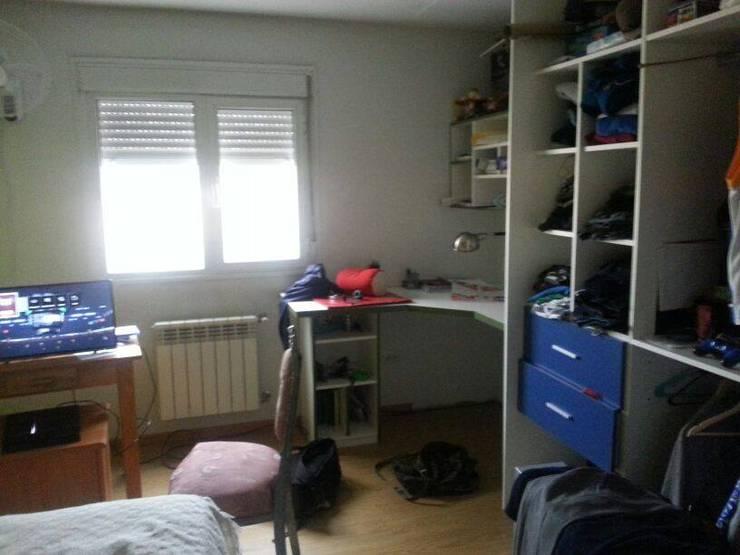 Dormitorios de estilo  de Grupo Walls bienes raices