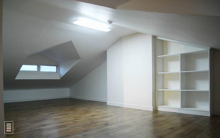 Bedroom by 로움 건축과 디자인