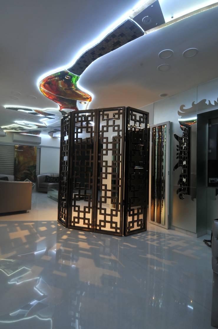 Site at Juhu:  Living room by Mybeautifulife