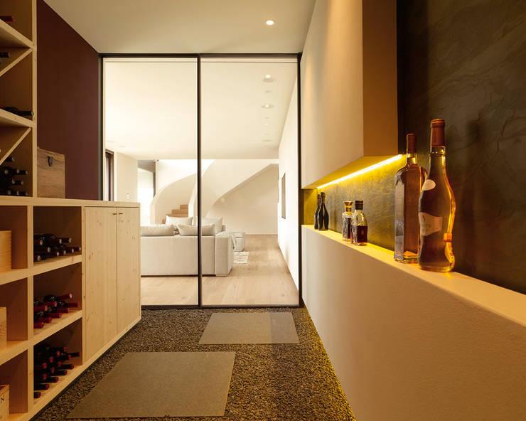 Cave à vin de style  par Meier Architekten GmbH
