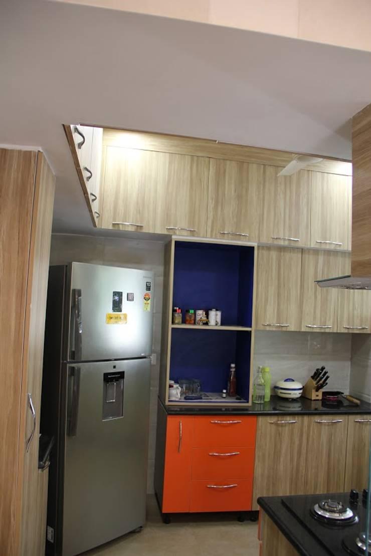 Chand Residence:  Kitchen by Studio Ezube