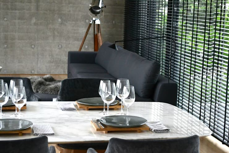 Dining room by Estudio Dulce Cattaneo, Classic