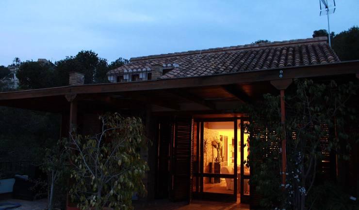 Houses by Estudio de Arquitectura 2E+1L