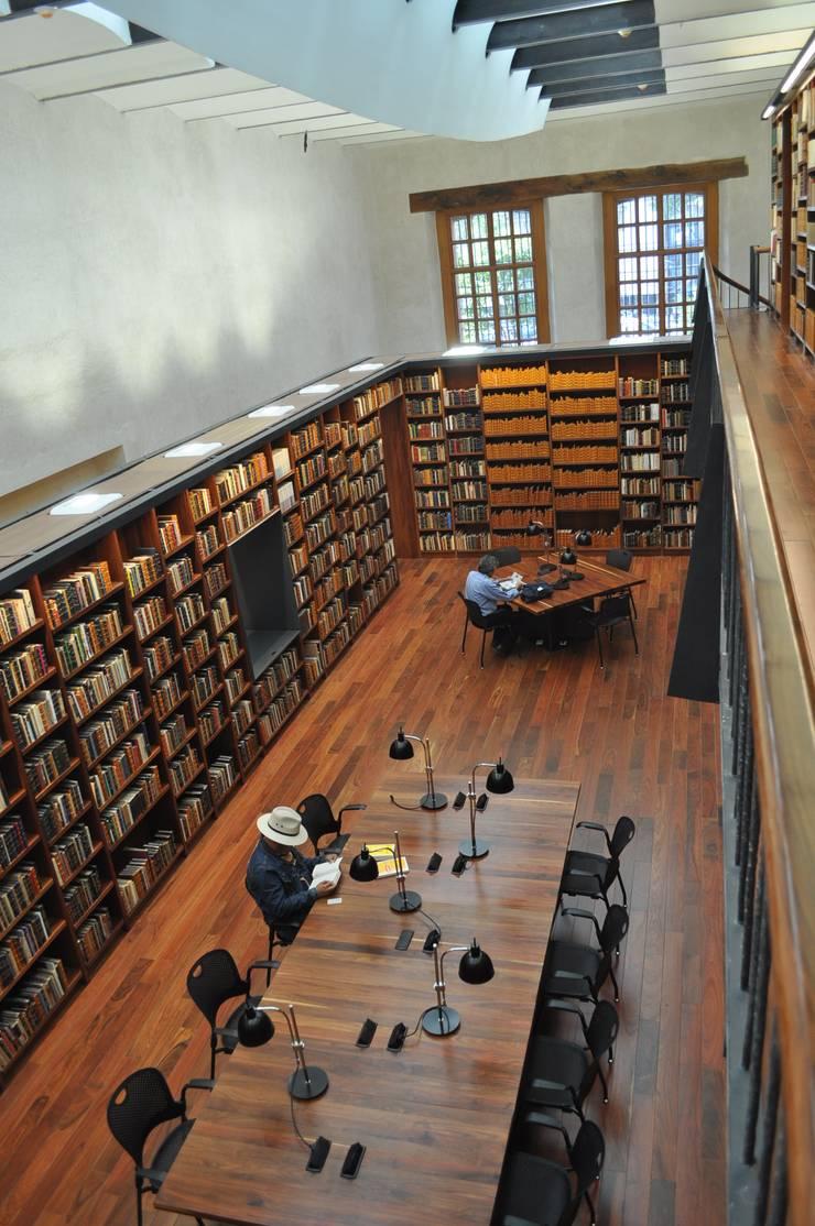 Biblioteca Alí Chumacero: Estudios y oficinas de estilo  por José Vigil Arquitectos