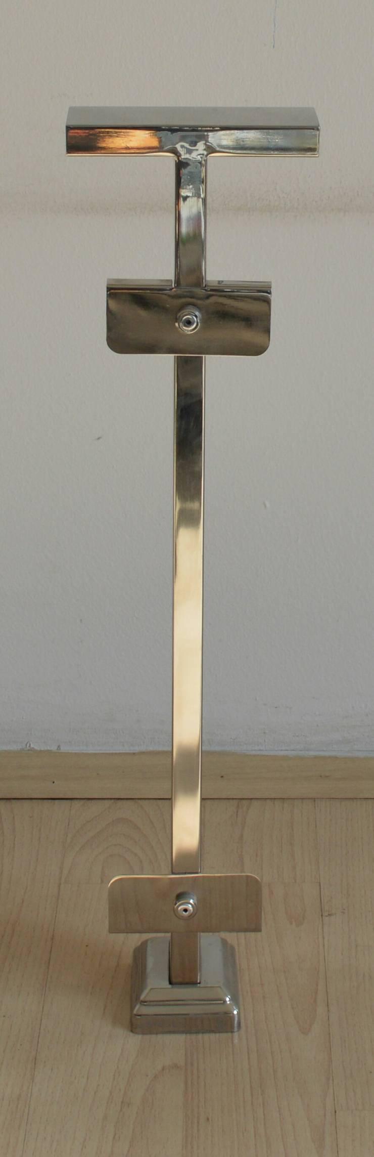 DEKODİZAYN pirinç mob. dek. ltd. şti. – ÖZEL TASARIM KORKULUK DİKME MODELLERİ: modern tarz , Modern Demir/Çelik