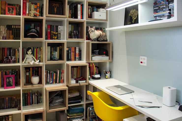 Apartamento em Botafogo  : Escritórios  por Ana Adriano