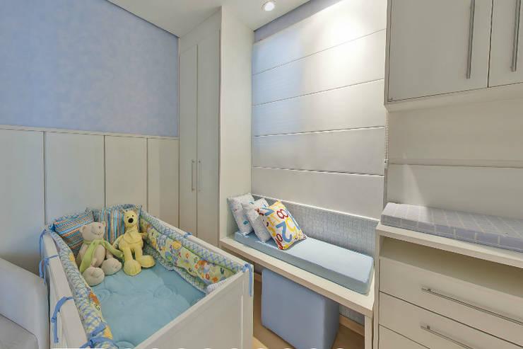 Apartamento Decorado Porto Mediterrâneo: Quarto de crianças  por Débora Campos Arquiteta,
