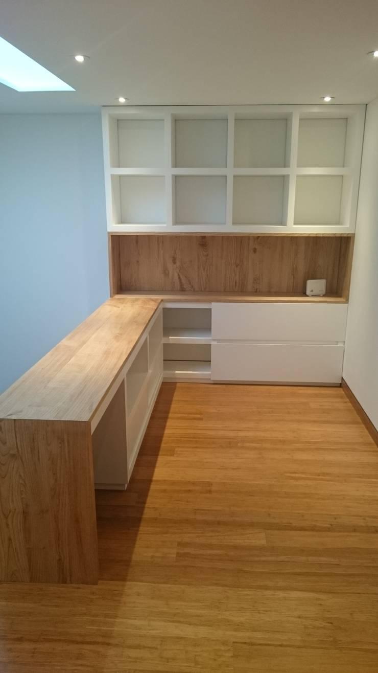 Apartamento RP: Estudios y despachos de estilo  por AMR ARQUITECTOS, Moderno