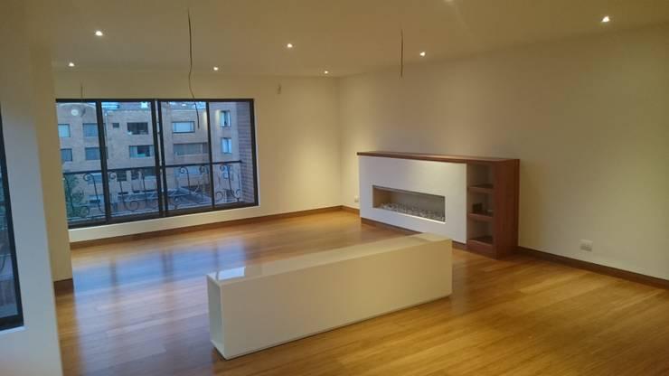 Apartamento RP: Salas de estilo  por AMR ARQUITECTOS, Moderno