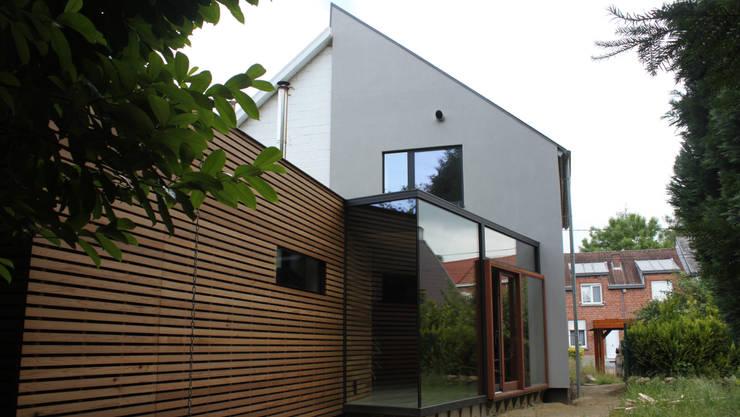 Habitation LMS: Maisons de style de style Moderne par VORTEX atelier d'architecture