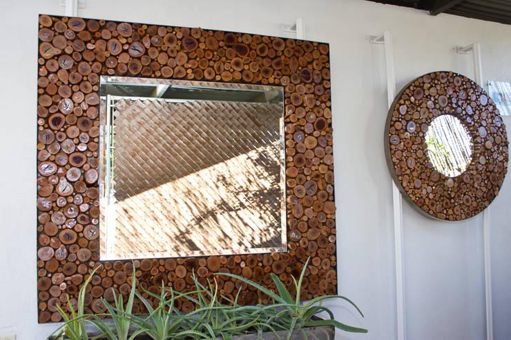 Maison de style  par Oscar Leon/ Arte Renovable & Muebles