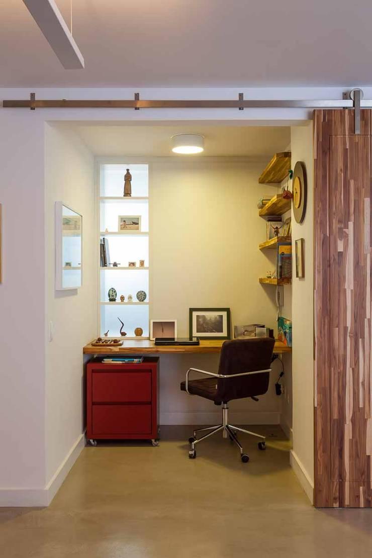 Apartamento do Amigo Calculista: Escritórios  por Nautilo Arquitetura & Gerenciamento