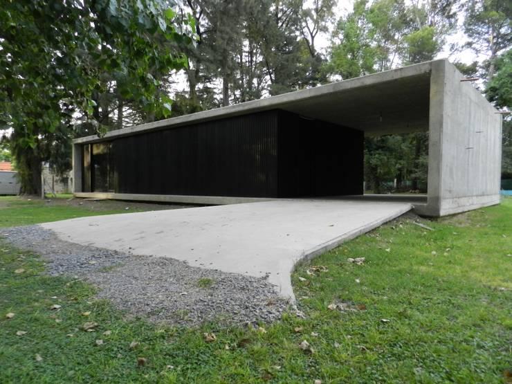 Casas prefabricadas de estilo  por dammuebles