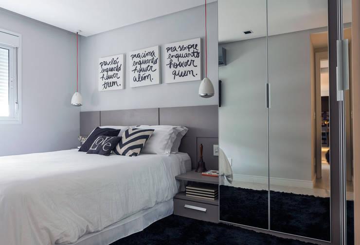 Projekty,  Sypialnia zaprojektowane przez Márcio Campos Arquitetura + Interiores